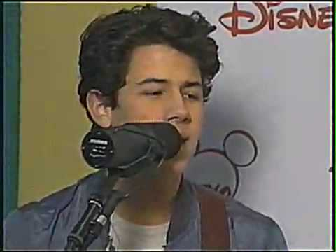 HQ  Live to party ACOUSTIC! Jonas Brothers LIVE at radio disney! Live to party ACOUSTIC!