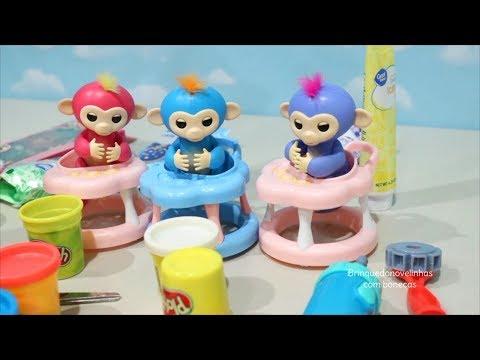 Macaquinhos Fingerlings Aprendendo Cores com Massinha Play Doh -Brinquedonovelinhas