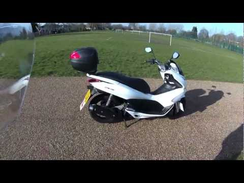 HONDA PCX 125 REVIEW - THE FULL LOW DOWN (2012 Model)