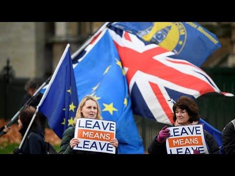 Brexit: Η τριπλή μέγγενη της Τερέζα Μέι