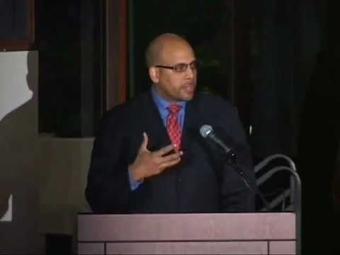 [Video-GSB Black Business Student Association Award Winner Jim Shelton]