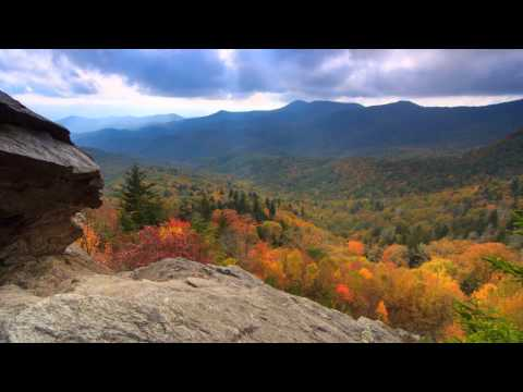 Scenic Time Lapse: Fall Foliage & Incredible Mountain Views - Asheville, North Carolina (видео)
