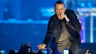 "Chester Bennington, the lead singer of rock band Linkin Park, has been found dead at his home near Los Angeles in an apparent suicide.Bennington had a history of alcohol and drug abuse. He had spoken openly about his struggles to overcome his demons when Linkin Park first found success in 2000 with the album ""Hybrid Theory"" and went on to become one of the most popular alt-rock bands of their generation.But by 2011 he said he had been sober for six years.Celebrity website TMZ, citing law e…READ MORE : http://www.euronews.com/2017/07/20/linkin-park-frontman-chester-bennington-is-found-dead-at-his-home-near-losWhat are the top stories today? Click to watch: https://www.youtube.com/playlist?list=PLSyY1udCyYqBeDOz400FlseNGNqReKkFdeuronews: the most watched news channel in EuropeSubscribe! http://www.youtube.com/subscription_center?add_user=euronews euronews is available in 13 languages: https://www.youtube.com/user/euronewsnetwork/channelsIn English:Website: http://www.euronews.com/newsFacebook: https://www.facebook.com/euronewsTwitter: http://twitter.com/euronewsGoogle+: http://google.com/+euronewsVKontakte: http://vk.com/en.euronews"