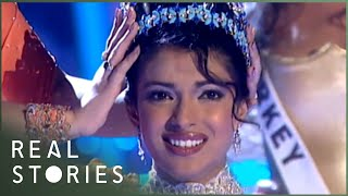 Video Bitches and Beauty Queens (Beauty Pageant Documentary) - Real Stories MP3, 3GP, MP4, WEBM, AVI, FLV Agustus 2018
