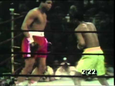 Joe Frazier vs Muhammad Ali - March 8, 1971 - Round 1 - 3