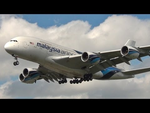 plane - Marco Gismondi - my first plane spotting at London Heathrow Airport COMPLETE LIST OF AIRPLANES: --- 27R landings --- 0:26 United Airlines (Star Alliance) B7...