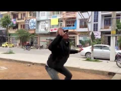Nghệ sĩ đường phố Móng Cái (beatboxer Cải Lương)