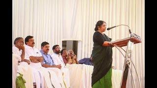 Video р┤кр╡Нр┤░р┤╢р┤╕р╡Нр┤д р┤Ор┤┤р╡Бр┤др╡Нр┤др╡Бр┤Хр┤╛р┤░р┤┐ KR р┤ор╡Ар┤░ р┤Хр╡Кр┤▓р╡Нр┤▓р┤др╡Нр┤др╡Н р┤бр┤┐р┤╡р╡Ир┤Ор┤лр╡Нр┤Р р┤╕р┤Вр┤Чр┤ор┤др╡Нр┤др┤┐р╡╜ р┤╕р┤Вр┤╕р┤╛р┤░р┤┐р┤Хр╡Нр┤Хр╡Бр┤ир╡Нр┤ир╡Б KR Meera Speech in kollam MP3, 3GP, MP4, WEBM, AVI, FLV Maret 2019