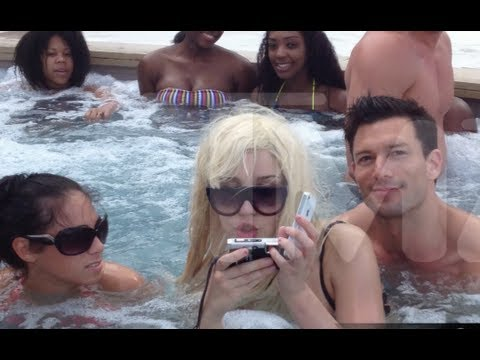 Hyland - Amanda Bynes Calls Sarah Hyland and Matt Prokop Ugly, Takes Weird Hot Tub Photos with blonde wig in Atlantic City! http://bit.ly/SubClevverNews - Subscribe N...