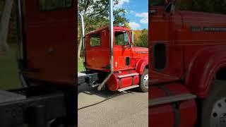 Video 318 Detroit in Dad's old 1972 Transtar 4200 MP3, 3GP, MP4, WEBM, AVI, FLV Oktober 2018