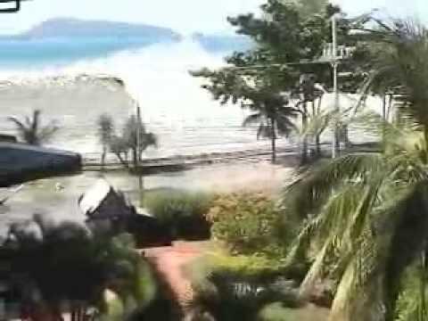 Amateur photograph tsunami
