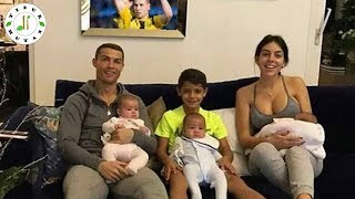Download Video WOW! Punya Anak Dari 6 Wanita! Ini Dia 5 Pemain Punya Anak Dari Banyak Wanita MP3 3GP MP4