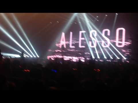 Alesso opening(Tear The Roof Up) Ultra Music Thailand 26/9/14