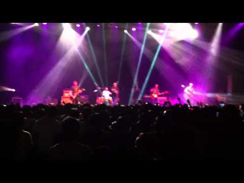 Shed Seven – Out By My Side (Live @ Bandung 31-03-2012)