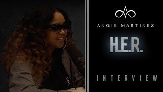 Video Why Did Singer H.E.R. Keep Her Identity Hidden? MP3, 3GP, MP4, WEBM, AVI, FLV Juli 2018
