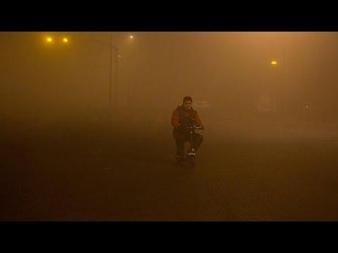 Κίνα: Κόκκινος συναγερμός στο Πεκίνο εξαιτίας της ατμοσφαιρικής ρύπανσης
