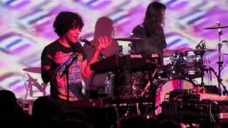 Neon Indian / Vega - No Reasons (live @ The Showbox, Seattle 9-27-10)