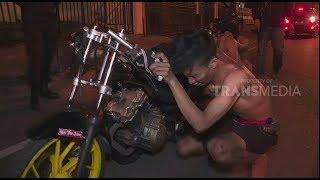 Video THE POLICE | Aksi Tim Elang Semarang Ungkap Prostitusi Berkedok Karaoke MP3, 3GP, MP4, WEBM, AVI, FLV November 2018