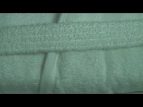 Bademantel mit Kapuze in weiss von MEXX