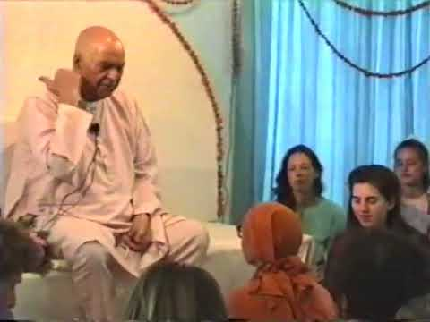 Papaji Video: Suffering Can Only Be Experienced When One Is Dreaming