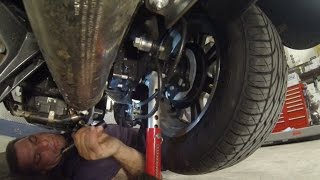 5. Under the Harley Davidson Trike  |  Fix My Hog