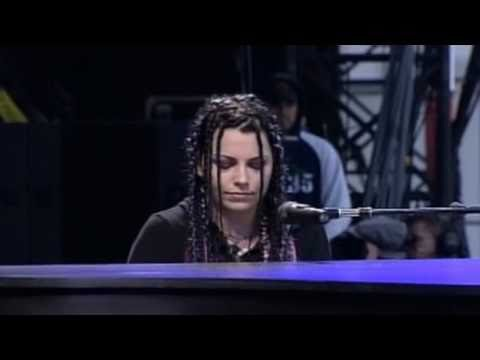 Video Evanescence - Bring Me To Life (Live @ Rock Am Ring 2004) download in MP3, 3GP, MP4, WEBM, AVI, FLV January 2017