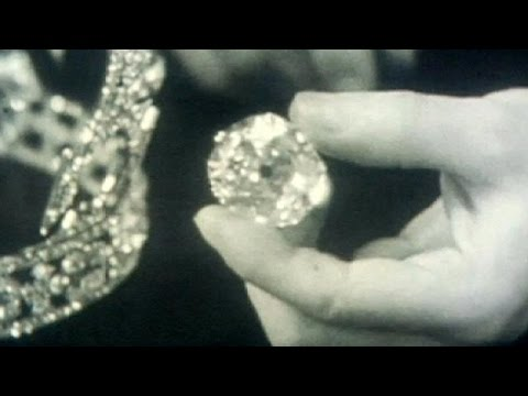 Πακιστάν: Δικηγόρος διεκδικεί διαμάντι από το στέμμα της βασίλισσας Ελισάβετ