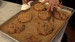 Bethenny Frankel Shares Her Recipe For Oatmeal Raisin Cookies