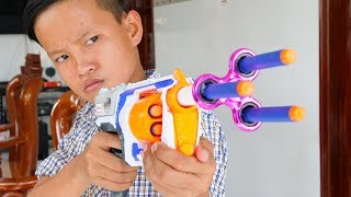 Video NERF GUN SPINNER GUN BATTLE SHOT MP3, 3GP, MP4, WEBM, AVI, FLV Juni 2019