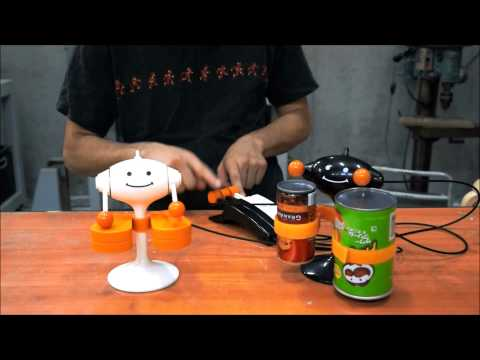 Remote Control Drumming Toy Keeps The Beat Without Any Electronics