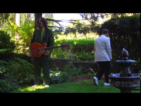 LeE HARVeY OsMOND – Queen Been
