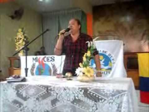 Divania Oliveira em um grande avivamento missionario em Igarassu - trofeu de gloria.wmv