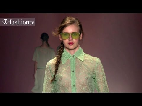 fashiontv - Alessa Spring/Summer 2014 Show | Fashion Rio http://www.FashionTV.com/videos RIO DE JANEIRO - Alessa presented its most recent Spring/Summer 2014 collection ...