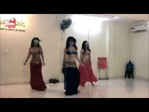 Vũ điệu cồng chiêng phiên bản nóng bỏng mắt của các hot girl