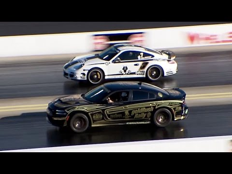 Porsche 911 Turbo vs Dodge Charger Hellcat - Drag Race