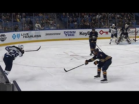 Video: Patrik Laine beats Robin Lehner with wrist shot, opens scoring on powerplay