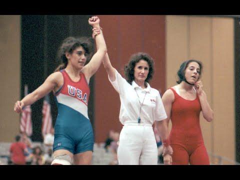 افسون روشن ضمیر جانستن، مربی ایرانی-آمریکایی تیم ملی کشتی زنان آمریکا