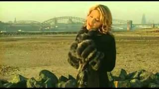 Download Lagu Michelle - Fliegen Mp3
