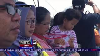 Video Keluarga Korban Jatuhnya Pesawat Lion Air JT 610 Gelar Doa Bersama dan Tabur Bunga   NET5 MP3, 3GP, MP4, WEBM, AVI, FLV November 2018