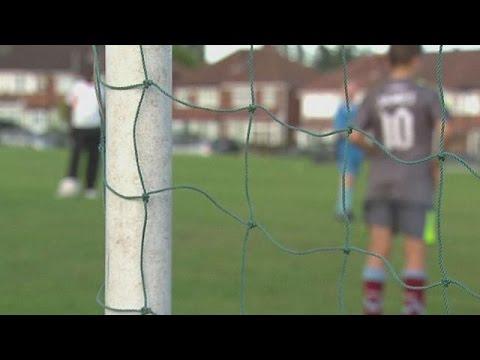 Μεγάλες διαστάσεις λαμβάνει το σκάνδαλο παιδεραστίας στο βρετανικό ποδόσφαιρο