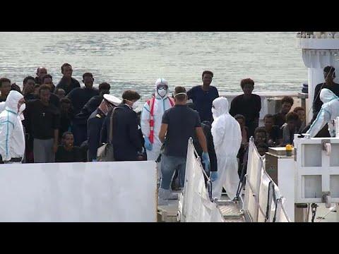 Οδύσσεια χωρίς τέλος για τους 177 μετανάστες στην Κατάνη…