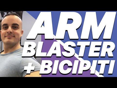 Esercizi Bicipiti: Meglio l'Arm Blaster o la Panca Scott?