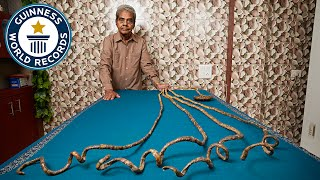 Video Longest fingernails on a single hand (ever) - Guinness World Records MP3, 3GP, MP4, WEBM, AVI, FLV September 2017