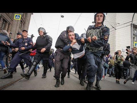 Μαζικές διαδηλώσεις στη Ρωσία