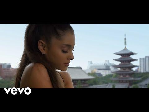 Tekst piosenki Andrea Bocelli - E Più Ti Penso ft. Ariana Grande po polsku