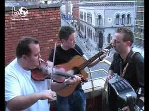 LADLANE (BalconyTV)