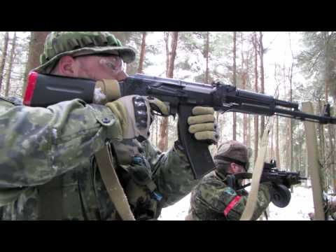 airsoft battle - Airsoft guns in action. 1 of over 400 airsoft war videos at http://www.youtube.com/scoutthedoggie Filmed by the No1 YouTube video maker in Scotland, over 120...
