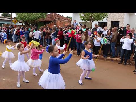 Crianças da Escola Municipal Pio XII se apresentam no Desfile 7 Setembro Barra do Jacaré