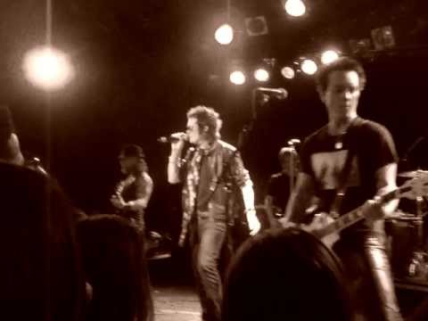 freddyw - Camp Freddy playing Night 3 (12-16-2011) at The Roxy Residency. Tonight the guest included Franky Perez, Mark McGrath, Gilby Clark, Billy Duffy, Glenn Hughes...