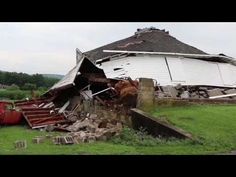 Barn collapses in Warren County during storm July 18, 2016